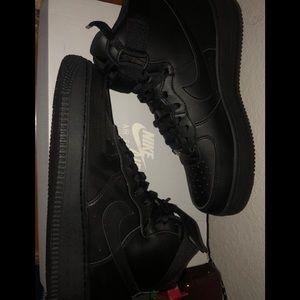 Black nike Air Force ones men 9 1/2